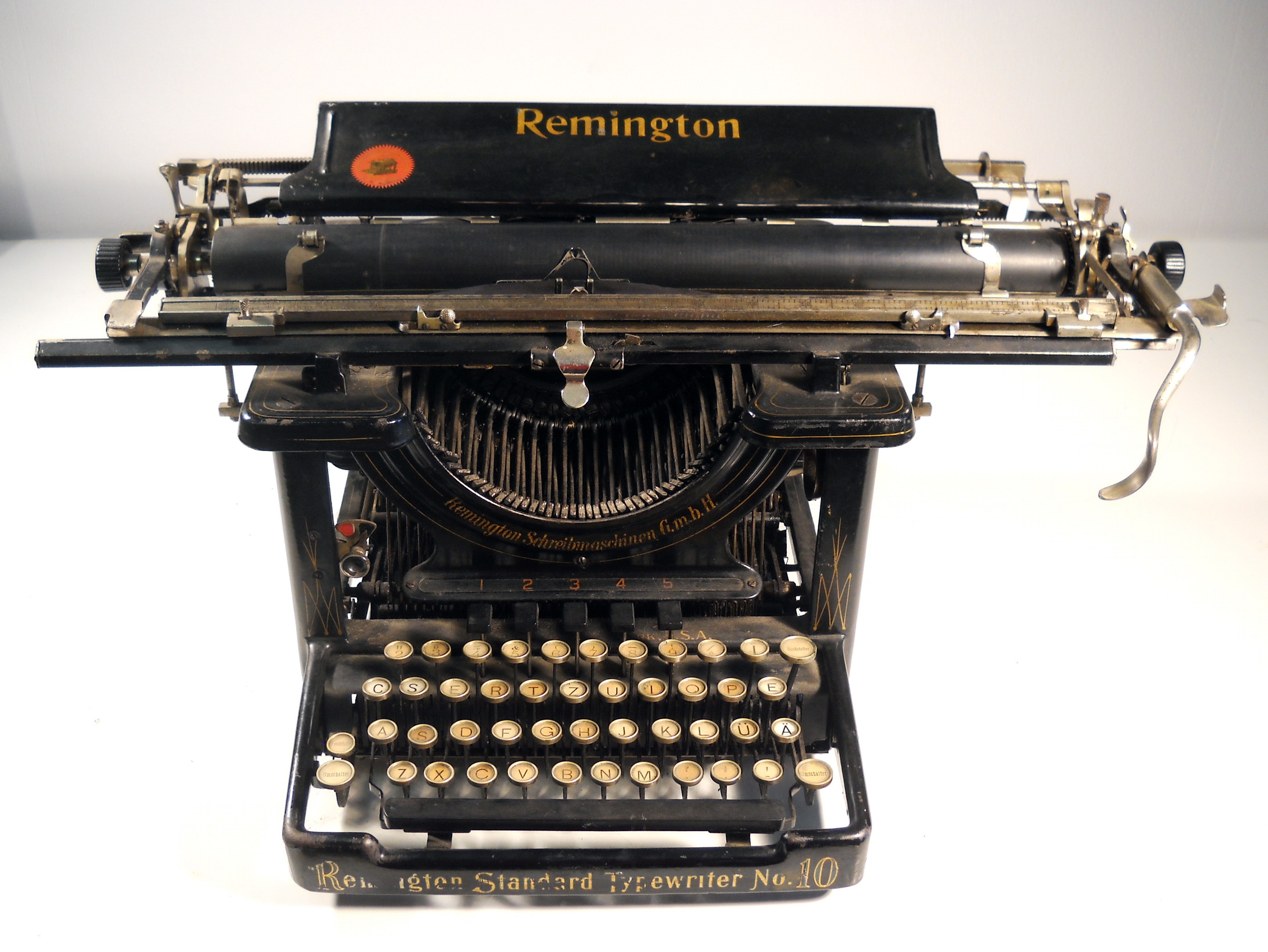 dating remington typewriters This page may be out of date how much are antique typewriters worth remington typewriter with unusual woodgrain finish offered for $185 on ebay.